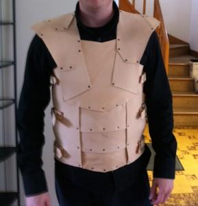 Armure de cuir assemblée
