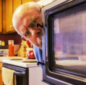 Geeksleague 136, Microwave is watching you